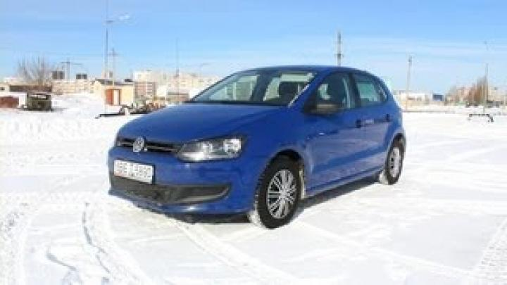 2010 Volkswagen Polo Hatchback. Start Up, Engine, and In Depth Tour.